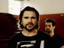 Un Poco Perdido/Tan Bionica featuring Juanes