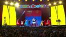 Com A Música (Live)/Panda e Os Caricas