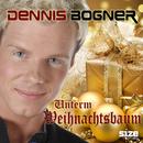 Unterm Weihnachtsbaum/Dennis Bogner