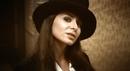 Douce (Clip officiel)/Julie Zenatti