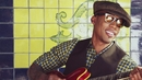 Day Dreams (Video Version)/Raphael Saadiq