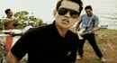 Kuat Kita Bersinar (Video Clip)/Superman Is Dead