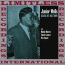 Blues Hit Big Town/Junior Wells