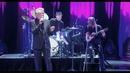 Combien je vous dois ? (Live Palais des Sports 2016)/Eddy Mitchell