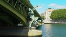 Le pont Mirabeau (Lyric Video)/Serge Reggiani