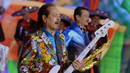 Los Mandados (Musical)/Los Tigres Del Norte