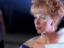 Does He Love You (feat. Linda Davis)/Reba McEntire