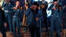 La Primera Caricia/Chuy Lizárraga y Su Banda Tierra Sinaloense