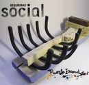 A tontas y a locas/Seguridad Social