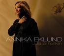 Julia jäi henkiin/Annika Eklund