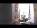 Ella Vive En Mi (Video Oficial)/Alex Ubago