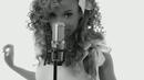 Alive (Videoclipe)/Leilah