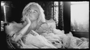 Here Comes The Change (From the Motion Picture 'On The Basis of Sex') (Official Video)/Ke$ha